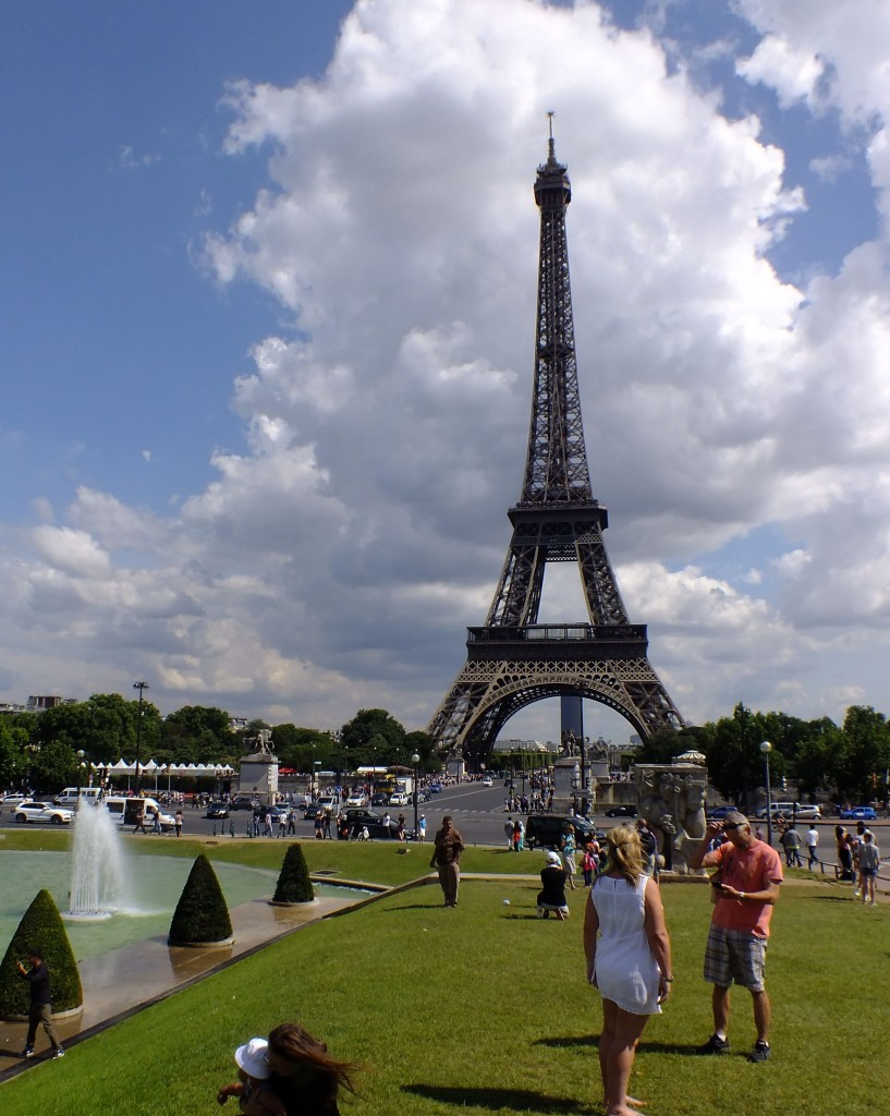 Eight places to visit in paris intrepid adventure for Places to stay in paris near eiffel tower